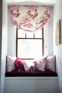 5 Pretty Window Seats - Farm Fresh Family